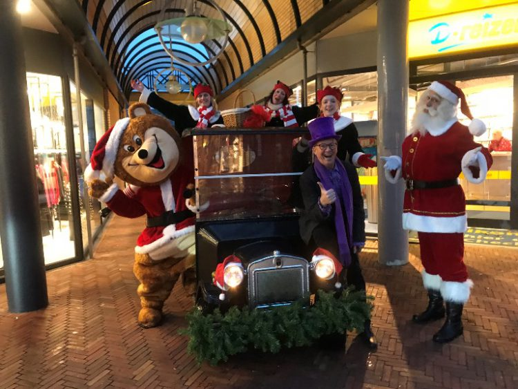 Kerstmobiel, de kerst auto