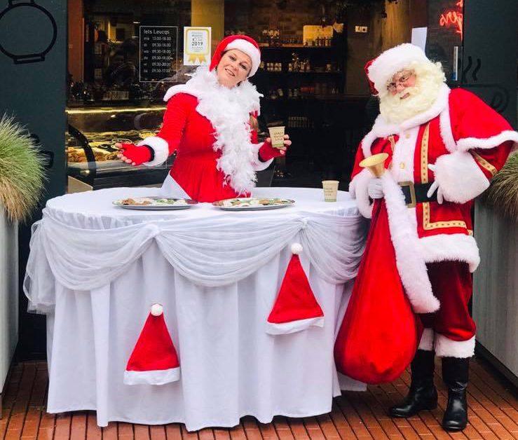 Walking Table Christmas
