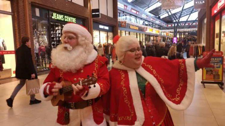 Zingende Kerstvrouw
