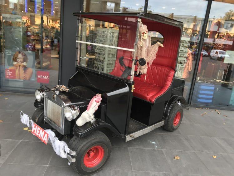 Halloween auto mobiel